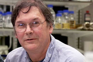 British winners of the 2001 Nobel Prize for Physiology and Medicine Dr Tim Hunt (R) and Sir Paul Nur..